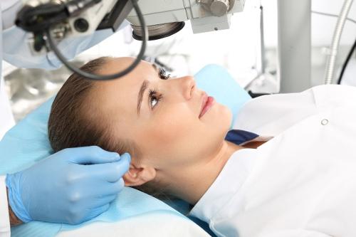 Болят глаза после лазерной коррекции зрения