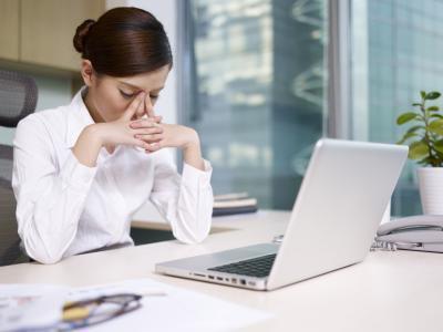 Боль в глазах и головная боль - причины и лечение