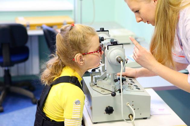 Дальнозоркость у детей - норма, лечение, причины гиперметропии
