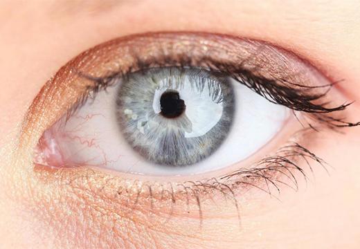 Белая точка на белке глаза - что это, причины и лечение