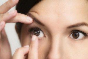 Увлажняющие капли для глаз при ношении линз - как выбрать, отзывы