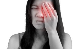 Болит левый глаз - причины, что делать