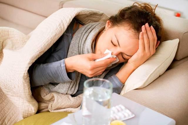 Веки покраснели, опухли и чешутся - причины, чем лечить